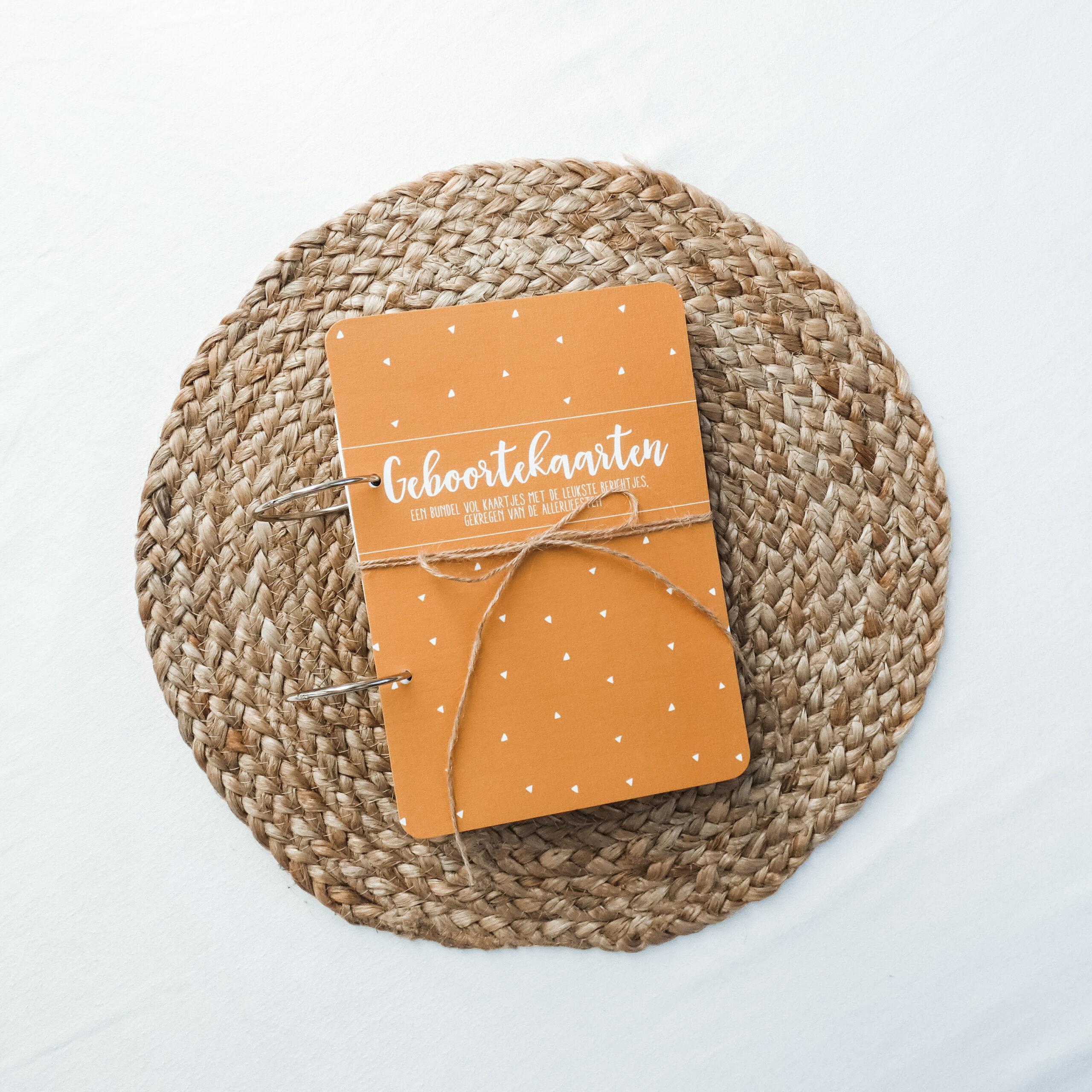 kaartenbundel-geboorte-okergeel-voorkant